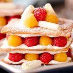 торт лимонный с ягодами
