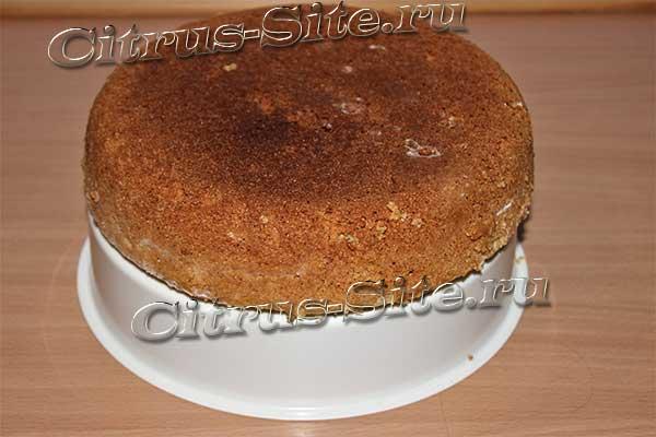 пирожок на решетке