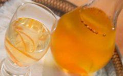 апельсиновое вино в бутылке