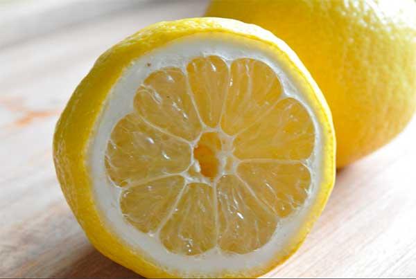 разрезанный лимон