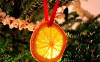 долька апельсина на елке