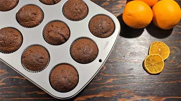 готовая апельсиново-шоколадная выпечка