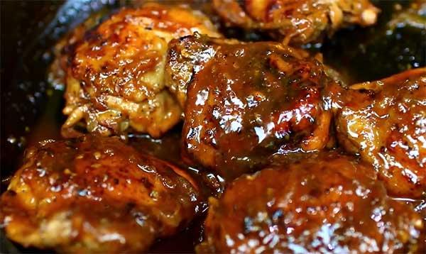 жарим куски курицы на сковороде